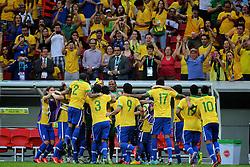 Seleção Brasileira comemora vitória sobre o Japão em partida válida pela primeira rodada da Copa das Confederações, no Estádio Nacional Mané Garrincha, em Brasília. FOTO: Jefferson Bernardes/Preview.com