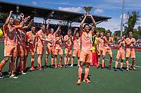 AMSTELVEEN - Glenn Schuurman (Ned)   met beker  viert het kampioenschap tijdens de finale van het EK Hockey tussen Duitsland en Nederland in het Wagener Stadion op 12 juni 2021 in Amstelveen. COPYRIGHT KOEN SUYK