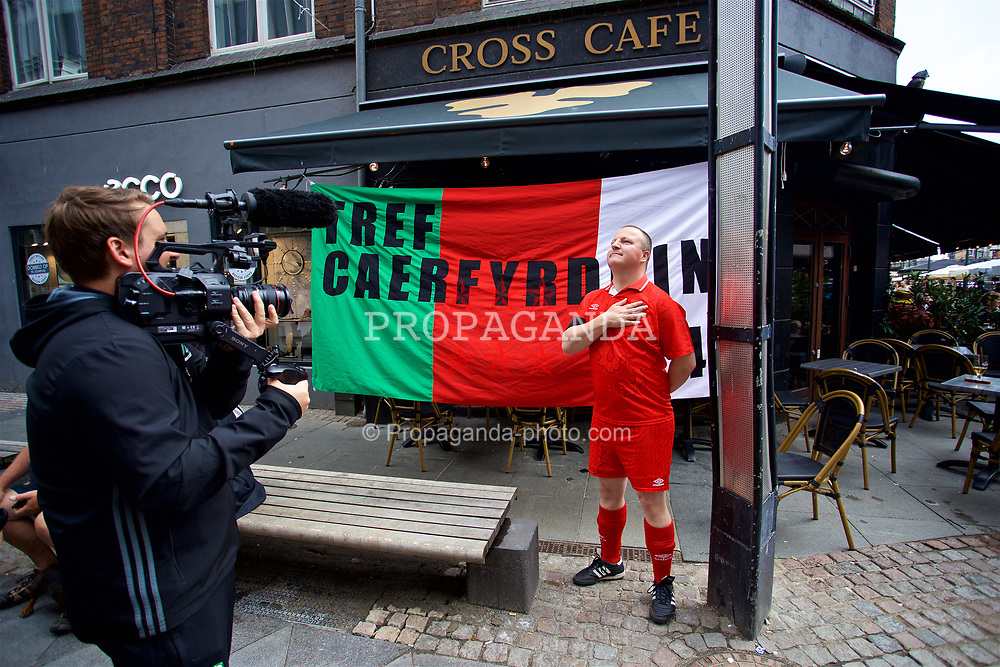 AARHUS, DENMARK - Sunday, September 9, 2018: Wales supporters in Aarhus centre ahead of the UEFA Nations League Group Stage League B Group 4 match against Denmark. (Pic by David Rawcliffe/Propaganda)