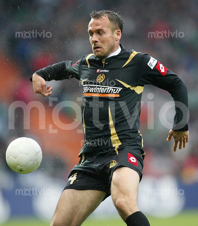 Fussball  1. Bundesliga  Saison 2006/2007 Nikolce NOVESKI (FSV Mainz 05), Einzelaktion am Ball