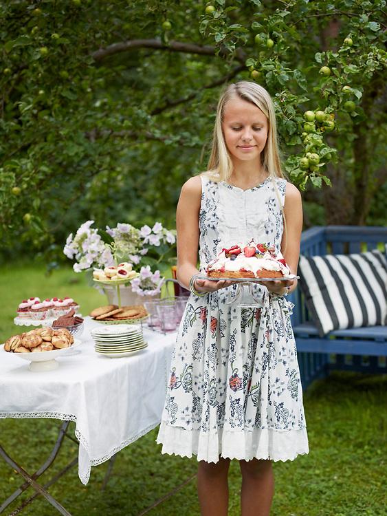 Motiv: Trädgårdsfest 2012<br /> Recept: Katarina Carlgren<br /> Fotograf: Thomas Carlgren<br /> Användningsrätt: Publ en gång <br /> Annan publicering kontakta fotografen