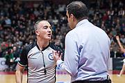 DESCRIZIONE : Varese Lega A 2015-16 Sidigas Scandone Avellino - Openjobmetis Varese<br /> GIOCATORE : Arbitro Referee<br /> CATEGORIA : Arbitro Referee<br /> SQUADRA : <br /> EVENTO : Campionato Lega A 2015-2016<br /> GARA : Openjobmetis Varese - Sidigas Scandone Avellino <br /> DATA : 27/10/2015<br /> SPORT : Pallacanestro<br /> AUTORE : Agenzia Ciamillo-Castoria/M.Ozbot<br /> Galleria : Lega Basket A 2015-2016 <br /> Fotonotizia: Varese Lega A 2015-16 Openjobmetis Varese - Openjobmetis Varese