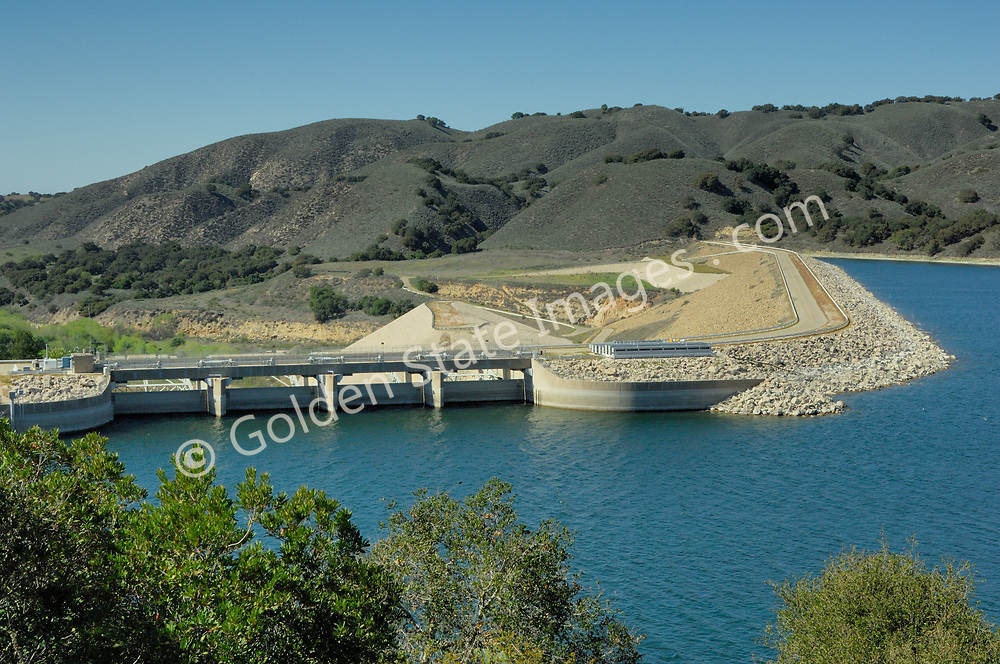 Earth-fill dam built in 1953 by the US bureau of Reclamation.