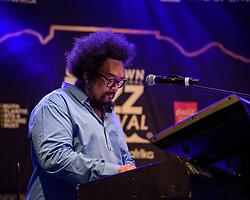 Mark Fransman, keyboard. Cape Town Jazz Festival Free Community Concert, 29 March 2017. Greenmarket Square. Photo by Alec Smith/imagemundi.com