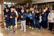 08-10-2017 - Foto van de finaledag van de Dutch Masters 2017, een European Senior Tour Event. Gespeeld op The Dutch in Spijk van 6 t/m 8 oktober.  Toeschouwers van de prijsuitreiking