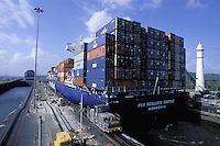 Panama - Canal de Panama - Ecluse de Gatun