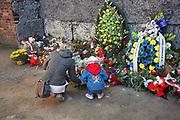 Auschwitz I, Ściana Śmierci na dziedzińcu pomiędzy blokami nr 10 i 11.<br /> Auschwitz I concentration camp, the wall of death in the courtyard between blocks No. 10 and 11.