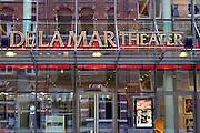 Nederland, the Netherlands, Amsterdam, 26-10-2016Exterieur, gevel van het DelaMar theater . Affiche van de voorstelling, show,  The Sunshine Boys met Andre van DuinFoto: Flip Franssen