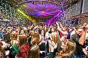 Nederland, Bergharen, 18-11-2018In het dorpshuis is een groot feest voor jong volwassenen georganiseerd. Jeugd uit de regio komt hier op af.Foto: Flip Franssen