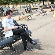 UK Weather: People enjoy The longest Heatwave continues in Hype park, London, UK. July 26 2018.