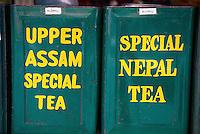 Nepal. Vallee de Katmandou. Katmandou. Boite de the dans une boutique. // Nepal. Kathmandu valley. Kathmandu. Tea box in Tea shop.