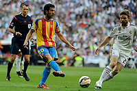 Real Madrid´s Asier Illarramendi and Valencia´s Daniel Parejo during 2014-15 La Liga match between Real Madrid and Valencia at Santiago Bernabeu stadium in Madrid, Spain. May 09, 2015. (ALTERPHOTOS/Luis Fernandez)