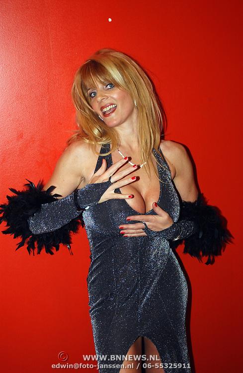 Playboyfeest 2003, Kim Holland