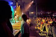 Nederland, Baarlo, 2-6-2002 De nederlandstalige band Rowwen Heze, met zanger en gitarist Jack Poels. Popmuziek. Foto: Flip Franssen/Hollandse Hoogte