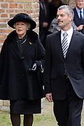 De koninklijke familie en tal van vrienden, bekenden en collega's van prins Friso zijn samengekomen in de Oude Kerk in Delft om de op 12 augustus overleden prins Friso te herdenken. <br /> <br /> The royal family and many friends, acquaintances and colleagues of Prince Friso are in the Old Church in Delft to commemorate the Prince who past away on August 12 2013.<br /> <br /> Op de foto / On the photo:  ex grootmeesteres Martina van Loon la Bouchere
