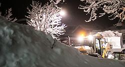 01.02.2014, B 100, Lienz, AUT, Schneefälle in Oberkärnten und Osttirol, im Bild ein Bagger bei der Schneeräumung. Über Nacht vielen bis zu 1,2 Meter Neuschnee in weiten Teilen Oberkärnten und Osttirols und forderten bereits zwei Todesopfer. EXPA Pictures © 2014, PhotoCredit: EXPA/ JFK