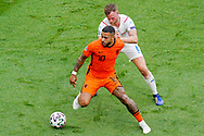 Tomas Kalas of Czech Republic battles for possession with Memphis Depay of the Netherlands during the UEFA Euro 2020, Round of 16 football match between Netherlands and Czech Republic on June 27, 2021 at Puskas Arena in Budapest, Hungary - Photo Andre Weening / Orange Pictures / ProSportsImages / DPPI