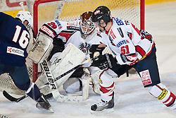 27.04.2011, TWK Arena, Innsbruck, AUT, IIHF WM 2011, Testspiel, Österreich vs USA, im Bild Ryan Shannon (USA #16) vs Jürgen Penker (AUT, #29, EV Vienna Capitals) und Matthias Trattnig (AUT, #51, EC Red Bull Salzburg) during friendly ice hockey match between Austria and USA, in preparation of IIHF world Championship 2011 at TWK Arena in Innsbruck Austria on 27/4/2011. EXPA Pictures © 2011, PhotoCredit: EXPA/ J. Groder