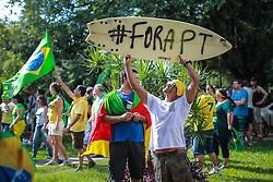 Manifestação pelo impeachment da presidente Dilma Rousseff em Porto Alegre reuniu mais de 40 mil pessoas. FOTO: Jefferson Bernardes/ Agência Preview