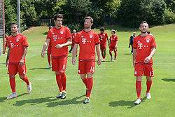 16.07.2015, Saebener Strasse, Muenchen, GER, 1. FBL, FC Bayern Muenchen, Fototermin, im Bild vl. Thiago Alcantara ( FC Bayern Muenchen ), Javier Martinez ( FC Bayern Muenchen ), Xabi Alonso ( FC Bayern Muenchen ) und Rafinha ( FC Bayern Muenchen ) // during the official Team and Portrait Photoshoot of German Bundesliga Club FC Bayern Munich at the Saebener Strasse in Muenchen, Germany on 2015/07/16. EXPA Pictures © 2015, PhotoCredit: EXPA/ Eibner-Pressefoto/ Vallejos<br /> <br /> *****ATTENTION - OUT of GER*****