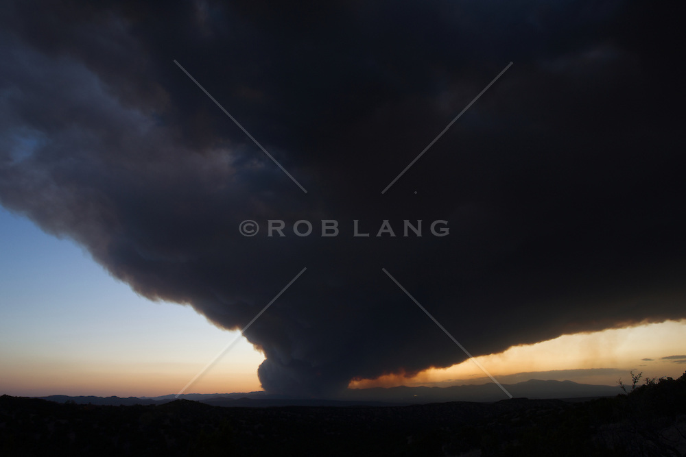 fire and smoke over Los Alamos in New Mexico