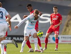 Teddy Bergqvist (FC Helsingør) og Raphael Onyedika Nwadike (FC Fredericia) under kampen i 1. Division mellem FC Fredericia og FC Helsingør den 4. oktober 2020 på Monjasa Park i Fredericia (Foto: Claus Birch).