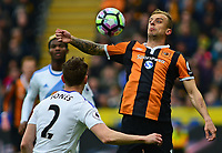 HULL, ENGLAND - MAY 06:  Hull City's Kamil Grosicki vies for possession with Sunderland's Billy Jones during the Premier League match between Hull City and Sunderland at KCOM Stadium on May 6, 2017 in Hull, England. (Photo by Andrew Vaughan - CameraSport via Getty Images)