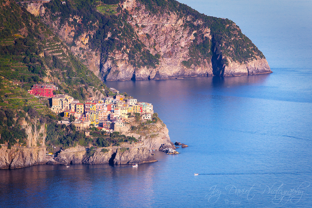 The coastline in Northern Italy is breathtaking.