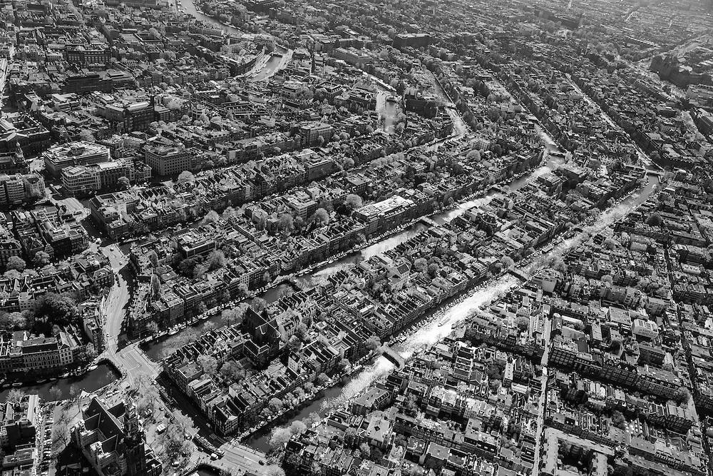 Nederland, Noord-Holland, Amsterdam, 09-04-2014; <br /> Linksbeneden: Westertoren, Westermarkt, Raadhuisstraat.<br /> Binnenstad en grachtengordel (van beneden naar boven Prinsengracht, Keizersgracht, Herengracht, Singel). <br /> Center and ring of canals of Amsterdam. <br /> The Westerkerk (church)  bottom left.<br /> luchtfoto (toeslag op standard tarieven);<br /> aerial photo (additional fee required);<br /> copyright foto/photo Siebe Swart