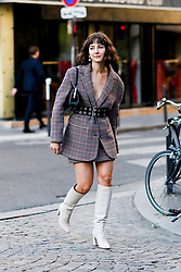 Street style, Alyssa Coscarelli arriving at Off White spring summer 2019 ready-to-wear show, held at Passage Saint Pierre Amelot, in Paris, France, on September 27th, 2018. Photo by Marie-Paola Bertrand-Hillion/ABACAPRESS.COM