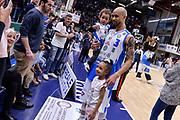 DESCRIZIONE : Beko Legabasket Serie A 2015- 2016 Dinamo Banco di Sardegna Sassari - Manital Auxilium Torino<br /> GIOCATORE : David Logan Famiglia<br /> CATEGORIA : Ritratto Esultanza Postgame<br /> SQUADRA : Dinamo Banco di Sardegna Sassari<br /> EVENTO : Beko Legabasket Serie A 2015-2016<br /> GARA : Dinamo Banco di Sardegna Sassari - Manital Auxilium Torino<br /> DATA : 10/04/2016<br /> SPORT : Pallacanestro <br /> AUTORE : Agenzia Ciamillo-Castoria/L.Canu