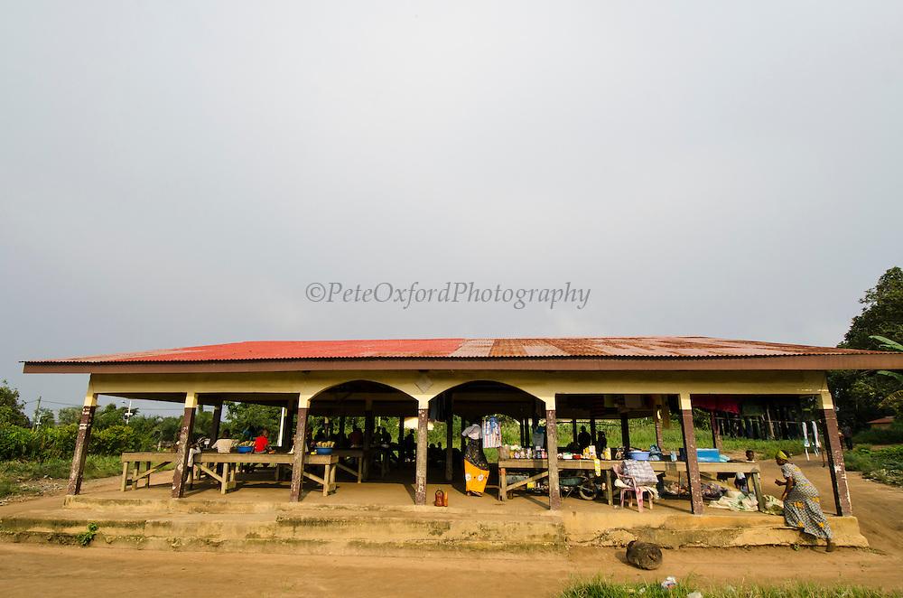 Main market<br /> Mbomo Village<br /> Odzala - Kokoua National Park<br /> Republic of Congo (Congo - Brazzaville)<br /> AFRICA