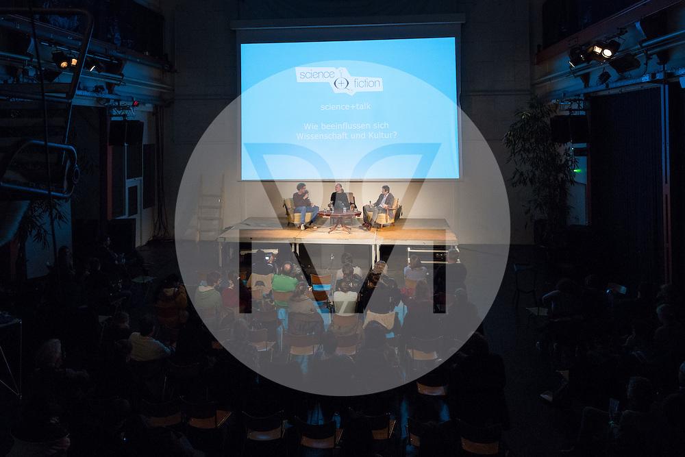 SCHWEIZ - BASEL - science+talk mit Walter Salzburger (M), Evolutionsbiologie, Uni Basel; und Ueli Mäder (R), Soziologie, Uni Basel; Moderation: Roland Fischer (L), Kultur- und Wissenschaftsjournalismus; am science+fiction Festival - 18. März 2016 © Raphael Hünerfauth - http://huenerfauth.ch