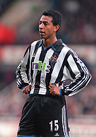 Nolberto Solano - Newcastle. West Ham United v Newcastle United. FA Premiership, 28/10/00. Credit: Colorsport / Nick Kidd.