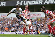 Ryan Mason of Tottenham Hotspur takes a shot on goal but just misses. Barclays Premier league match, Tottenham Hotspur v Stoke city at White Hart Lane in London on Saturday 15th August 2015.<br /> pic by John Patrick Fletcher, Andrew Orchard sports photography.