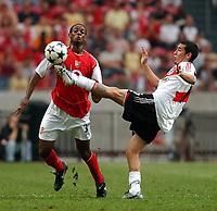 Photo: Daniel Hambury Digitalsport<br /> Arsenal v River Plate. The Sony Amsterdam Tournament. 2004.   30/7/04<br /> <br /> Arsenal's Justin Hoyte and River Plate's Rubens Sambueza