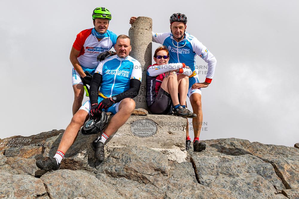 16-09-2018 ESP: BvdGF La Vuelta a Sierra Nevada day 2, Pico del Veleta<br /> Second day of the mountainbike and cycling challenge from Capileira to Pico del Veleta (3396m)
