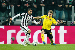 24.02.2015, Veltins Arena, Turin, ITA, UEFA CL, Juventus Turin vs Borussia Dortmund, Achtelfinale, Hinspiel, im Bild l-r: im Zweikampf, Aktion, mit Carlos Tevez #10 (Juventus Turin) und Matthias Ginter #28 (Borussia Dortmund) // during the UEFA Champions League Round of 16, 1st Leg match between between Juventus Turin and Borussia Dortmund at the Veltins Arena in Turin, Italy on 2015/02/24. EXPA Pictures © 2015, PhotoCredit: EXPA/ Eibner-Pressefoto/ Kolbert<br /> <br /> *****ATTENTION - OUT of GER*****