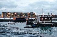 Trieste , sul fondo la stazione marittima