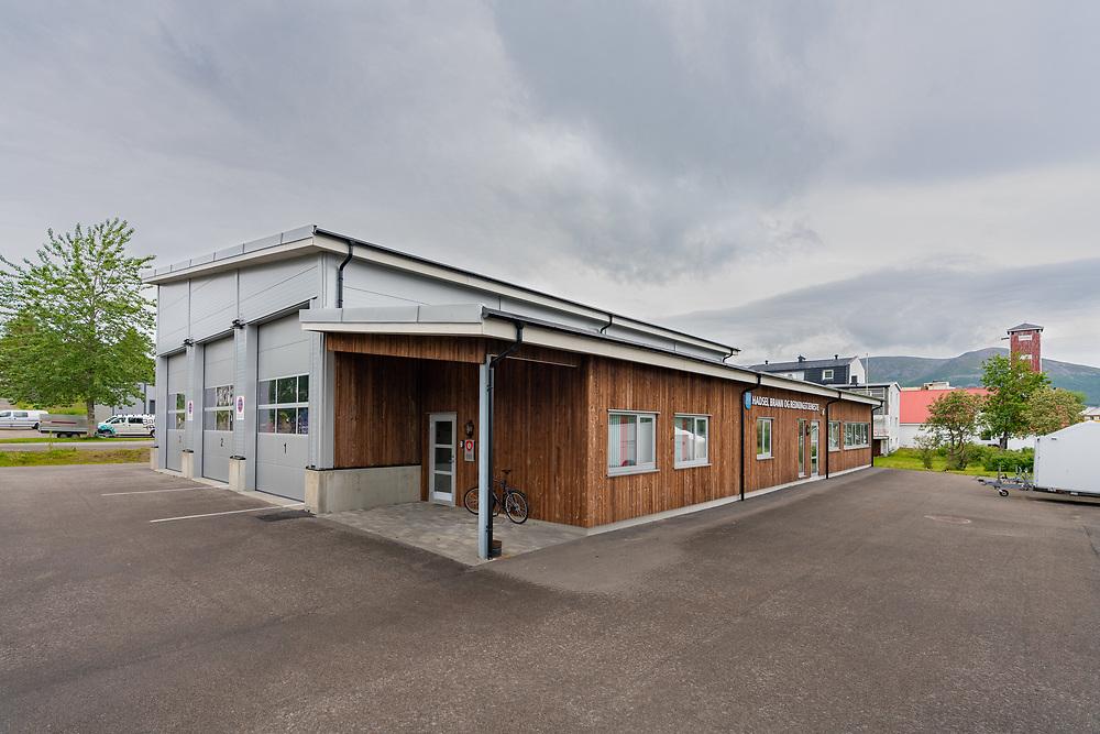 Stokmarknes brannstasjon, tilhørende Hadsel brann- og redningstjeneste, har sentralt tilhold på Stokmarknes.