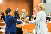 02 SEP 2020, BERLIN/GERMANY:<br /> Annegret Kramp-Karrenbauer (L), CDU, Bundesverteidigungsministerin, und Julia Kloeckner, CDU, Bundeslandwirtschaftsministerin, im Gespraech, vor Beginn einer SItzung des Kabinetts im grossen Sitzungssaal, der aufgrund der Corona-Vorgaben fuer die Kabinettsitzung genutzt wird, Budneskanzleramt<br /> IMAGE: 20200902-01-028<br /> KEYWORDS: Sitzung, Kabinett, Julia Klöckner