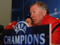 06.12.2011, Basel, Fussball Champions League - Training Manchester United, Chef-Trainer Sir Alex Ferguson (Roman Aeschbach/EQ Images)