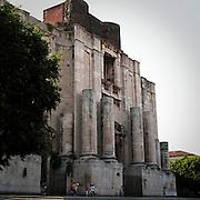 Il sagrato della chiesa di San Nicolò l'Arena a Catania..The parvis of San Nicolò l'Arena church in Catania.