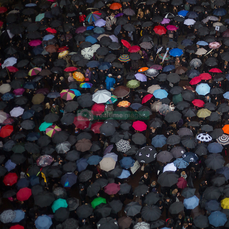 October 3, 2016 - Warsaw, Poland - People in Poland demonstrate against a proposal to ban abortions. The protesters, wearing black clothing, use umbrellas during a rain in Warsaw.  (Credit Image: © Mateusz Wlodarczyk/NurPhoto via ZUMA Press)