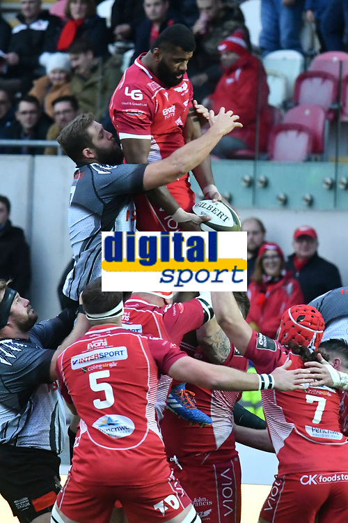 Rugby Ubion_ 2019 / 2020 Guinness Pro14 - Scarlets vs. Southern Kings<br /> <br />  Tevita Ratuva Llanelly Scarlets leaps to catch the ball at a lineout, at Parc y Scarlets, Llanelli. <br /> <br /> COLORSPORT/WINSTON BYNORTH