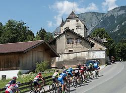 11.07.2015, Kitzbühel, AUT, Österreich Radrundfahrt, 7. Etappe, von Kitzbühel nach Innsbruck, im Bild das Hauptfeld in Niederbreitenbach, Tirol // the peleton at the village in Niederbreitenbach Tirol during the Tour of Austria, 7th Stage, from Kitzbühl to Innsbruck, Kitzbühel, Austria on 2015/07/11. EXPA Pictures © 2015, PhotoCredit: EXPA/ Reinhard Eisenbauer