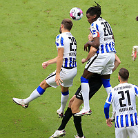 17.10.2020, OLympiastadion, Berlin, GER, DFL, 1.FBL, Hertha BSC VS. VfB Stuttgart, <br /> DFL  regulations prohibit any use of photographs as image sequences and/or quasi-video<br /> im Bild Lucas Tousart (Hertha BSC Berlin #29), Dedryck Boyata (Hertha BSC Berlin #20), Sasa Kalajdzic (VfB Stuttgart #9)<br /> <br />       <br /> Foto © nordphoto / Engler