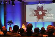 ZEIST - Prinses Maxima is woensdag aanwezig bij een congres over microverzekeren in Zeist. Zij bezoekt het congres in haar functie van lid van de Raad voor de Microfinanciering in Nederland.Willemijn Verloop Opent de conferentie ANP PHOTO ROYAL IMAGES HENDRIK JAN VAN BEEK