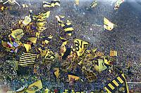 Fotball<br /> Foto: imago/Digitalsport<br /> NORWAY ONLY<br /> <br /> Samstag 04.10.2014, Saison 2014/2015, 1. Bundesliga, 7. Spieltag im Signal Iduna Park, BVB Borussia Dortmund, Die BVB-Fans auf der Südtribüne unterstützen ihr Team<br /> Gelbe Wand