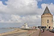 Nederland,  Vlissingen, 14-9-2014Hoogbouw en de historische gevangenis aan de boulevard en het strand van Vlissingen.FOTO: FLIP FRANSSEN/ HOLLANDSE HOOGTE